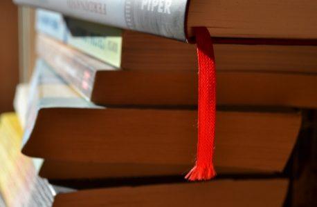 Achtung: Bücher kreuzen!